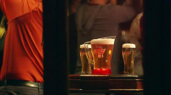 Budweiser Red Light Pitchers TV Spot, 'Hockey Night' - Thumbnail 8