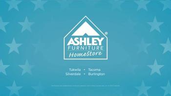 Ashley Furniture Homestore TV Spot, 'Día de Los Veteranos' [Spanish] - Thumbnail 7