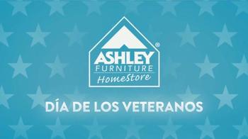 Ashley Furniture Homestore TV Spot, 'Día de Los Veteranos' [Spanish] - Thumbnail 1