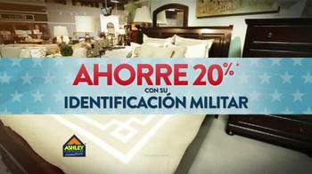 Ashley Furniture Homestore TV Spot, 'Día de Los Veteranos' [Spanish] - Thumbnail 2