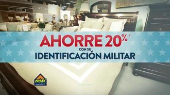 Ashley Furniture Homestore TV Spot, 'Día de Los Veteranos' [Spanish] - Thumbnail 3