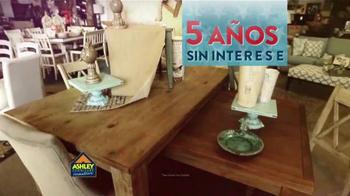 Ashley Furniture Homestore TV Spot, 'Día de Los Veteranos' [Spanish] - Thumbnail 5