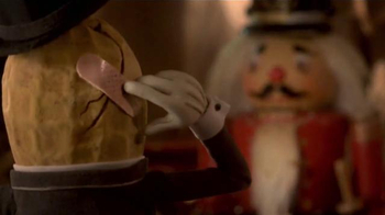 Planters TV Spot, 'Mr. Peanut Throws a Holiday Party' [Spanish] - Thumbnail 8
