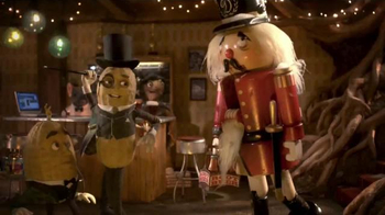 Planters TV Spot, 'Mr. Peanut Throws a Holiday Party' [Spanish] - Thumbnail 9