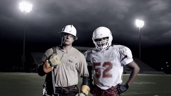 Mississippi Power TV Spot, 'From Power Lines to the Line of Scrimmage' - Thumbnail 10