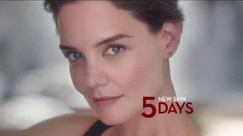 Olay Regenerist TV Spot Featuring Katie Holmes - Thumbnail 6