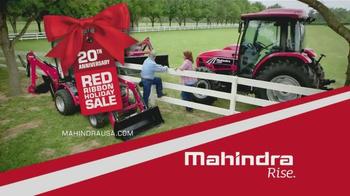 Mahindra Red Ribbon Holiday Sale TV Spot, 'Max and eMax' - Thumbnail 10