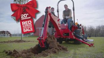 Mahindra Red Ribbon Holiday Sale TV Spot, 'Max and eMax' - Thumbnail 2