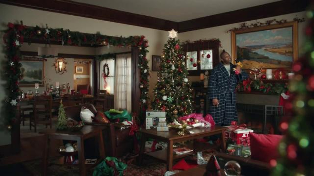 lowes tv commercial how to sing a duet ispottv - Lowes Christmas Eve Hours
