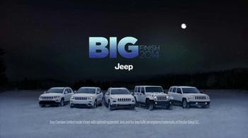 Jeep Cherokee TV Spot, 'Big Finish: Christmas Lights' - Thumbnail 8