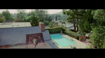 Sony Xperia TV Spot, 'Roof'