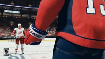 EA Sports NHL 15 TV Spot, 'Go for the Shot' - Thumbnail 3
