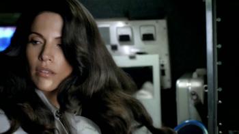 Head & Shoulders Damage Rescue TV Spot, 'Reportera' [Spanish] - Thumbnail 3