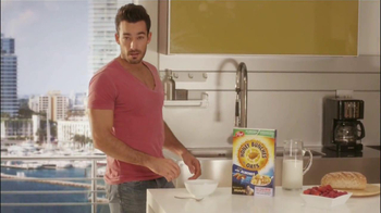Honey Bunches of Oats TV Spot Con Aarón Díaz [Spanish] - Thumbnail 2