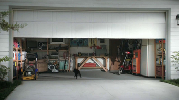 Allstate TV Spot, 'La Mala Suerte: un gato negro' [Spanish] - Thumbnail 4
