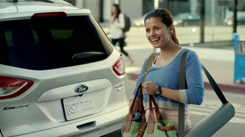 Ford Escape TV Spot, 'Manos Extra: Mamá' [Spanish] - Thumbnail 1