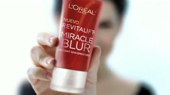 L'Oreal Revitalift Miracle Blur TV Spot, 'Suavizador' con Julianna Marguiles [Spanish] - Thumbnail 10