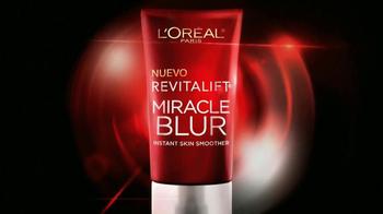 L'Oreal Revitalift Miracle Blur TV Spot, 'Suavizador' con Julianna Marguiles [Spanish] - Thumbnail 3