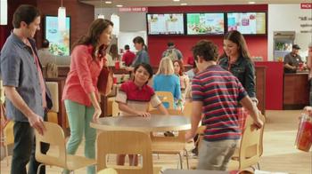 Wendy's Berry Almond Chicken Salad TV Spot [Spanish] - Thumbnail 1