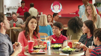Wendy's Berry Almond Chicken Salad TV Spot [Spanish] - Thumbnail 7