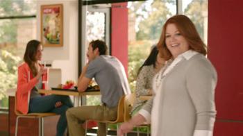 Wendy's Berry Almond Chicken Salad TV Spot [Spanish] - Thumbnail 4
