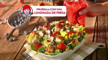 Wendy's Berry Almond Chicken Salad TV Spot [Spanish] - Thumbnail 6