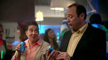 Pepsi Next TV Spot, 'Fiesta en Casa' [Spanish] - Thumbnail 9
