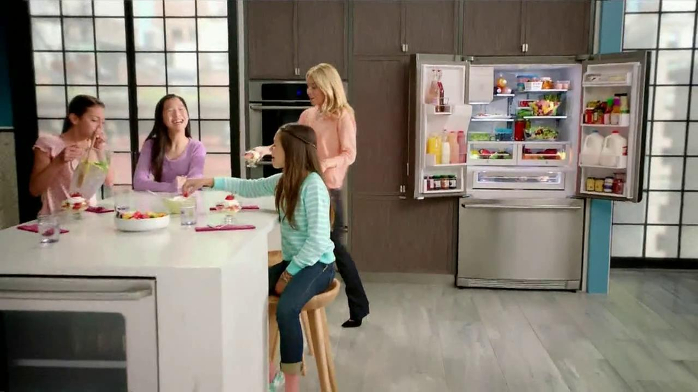 Electrolux French Door Refridgerator TV Commercial Featuring Kelly Ripa