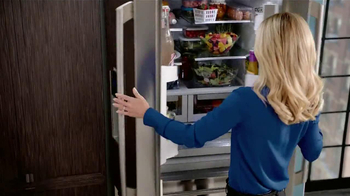 Electrolux French Door Refridgerator TV Spot Featuring Kelly Ripa - Thumbnail 2