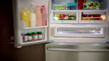 Electrolux French Door Refridgerator TV Spot Featuring Kelly Ripa - Thumbnail 5