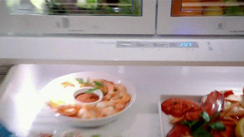 Electrolux French Door Refridgerator TV Spot Featuring Kelly Ripa - Thumbnail 6