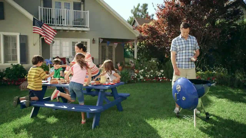 Lowe's TV Commercial, 'Fourth of July Grill Master 3-Burner Gas Grill'