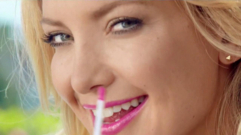 Almay Liquid Lip Balm TV Spot Featuring Kate Hudson - Thumbnail 6