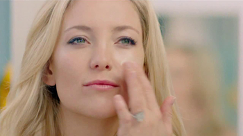 Almay CC Cream TV Spot Featuring Kate Hudson - Thumbnail 3
