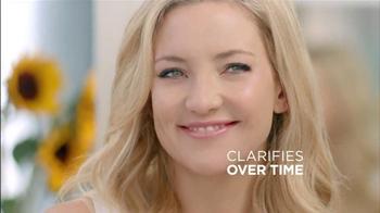 Almay CC Cream TV Spot Featuring Kate Hudson - Thumbnail 5