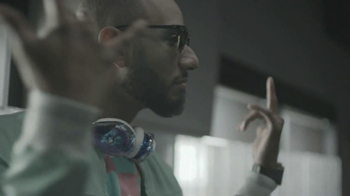 Samsung Galaxy TV Spot, 'Feeling It' Featuring Jay-Z - Thumbnail 6