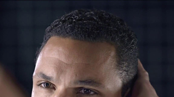 Clear Men Scalp Therapy TV Spot Featuring Tony Gonzalez - Thumbnail 3