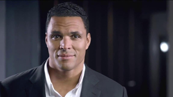 Clear Men Scalp Therapy TV Spot Featuring Tony Gonzalez - Thumbnail 5