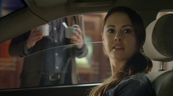 2013 Nissan Sentra TV Spot, 'Desaire ' [Spanish] - Thumbnail 2