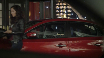 2013 Nissan Sentra TV Spot, 'Desaire ' [Spanish] - Thumbnail 3