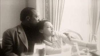 Stand Up 2 Cancer TV Spot Featuring Rashida Jones and Quincy Jones - Thumbnail 5