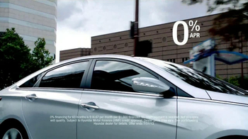 Hyundai Sonata TV Spot, '10 Years: Man' - Thumbnail 9