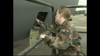 Comcast TV Spot, 'Hire America's Heroes' - Thumbnail 4