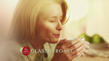 Folgers Gourmet K-Cup Packs TV Spot, 'Morning Breeze' - 337 commercial airings