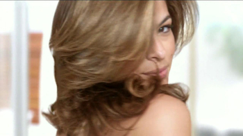 Pantene Repair & Protect TV Spot Con Eva Mendes [Spanish] - Thumbnail 4