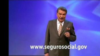 Seguro Social TV Spot Con Don Francisco [Spanish] - Thumbnail 7