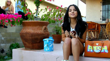 CoverGirl TV Spot, 'Premios Juventud' Con Becky G [Spanish] - Thumbnail 1