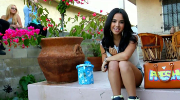 CoverGirl TV Spot, 'Premios Juventud' Con Becky G [Spanish] - Thumbnail 2