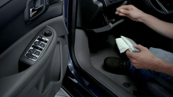 Chevrolet Malibu TV Spot, 'Moving In' - Thumbnail 4