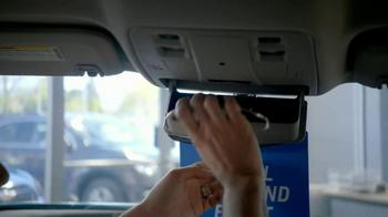 Chevrolet Malibu TV Spot, 'Moving In' - Thumbnail 5